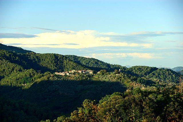 Valpromaro vista dal Gualdo, Toscana, Italia  #valpromaro #gualdo #massarosa #toscana #tuscany #toskania #Тоскана #igerstuscany #ig_tuscany #igerstoscana #ig_toscana #tuscanybuzz #lovetuscany #italia #italy #włochy #italien #Италия #igersitalia #ig_italia #igersitaly #ig_italy #bellaitalia #italianplaces #loveitaly #visititaly #followme #likeit #picoftheday #hills