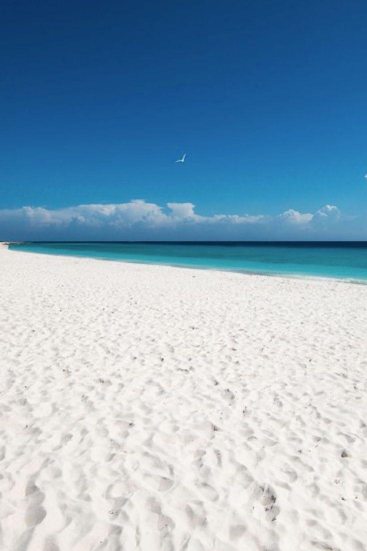 Heeft u ooit zo een wit strand gezien? #KleinCuraçao #Klein #Curaçao
