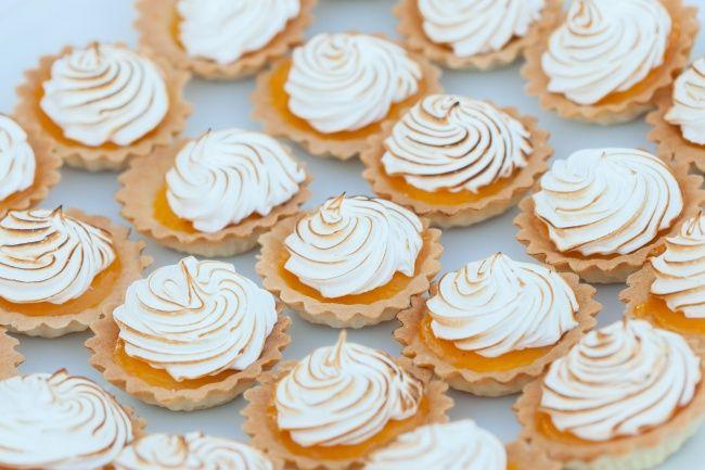 9мини-десертов, которые ваши гости съедят заодин укус
