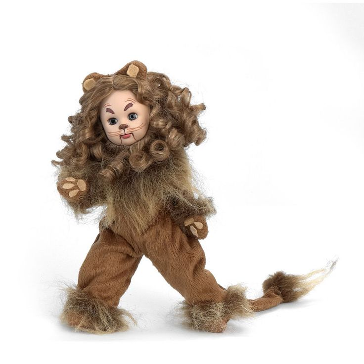 Madame Alexander Cowardly Lion from The Wizard of Oz Collectible Doll, Multicolor