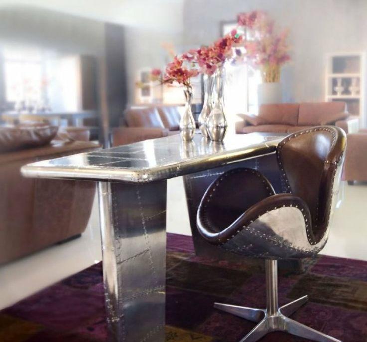 Tisch Und Stuhl In Besonderer Optik