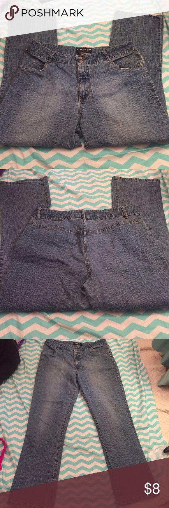"❤️ Halston jeanswear stretch jeans Cotton/polyester/spandex. 30"" inseams. Halston  Jeans"