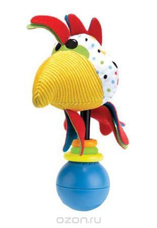 """Развивающая игрушка-погремушка Yookidoo """"Петушок""""  — 584р. ----- Мягкая развивающая игрушка-погремушка """"Петушок"""" выполнена из текстильного материала различных цветов и фактур в виде симпатичного петушка. Голова петушка крепится на подставку, на которую нанизаны три разноцветных колечка. Нижняя часть головы переходит в развивающий элемент с шуршащим материалом. Играть с такой погремушкой сплошное удовольствие! Если ее встряхнуть, она начинает воспроизводить различные звуковые эффекты, в том…"""