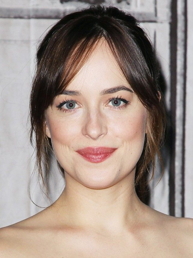 Here Dakota has centre parted her fringe; it's not too neat which makes it feel really effortless. The no-fringe fringe is a great face framer; it helps balance the face if you have...