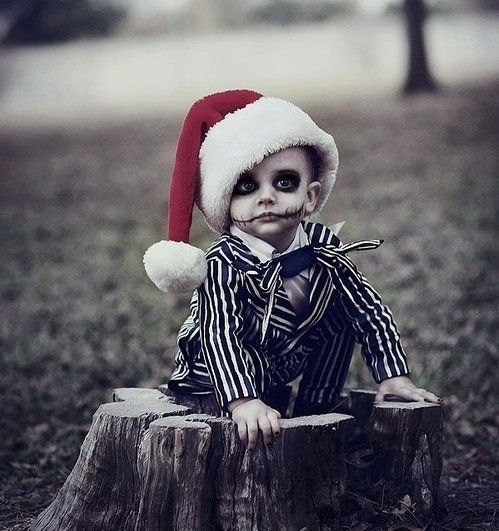 must do pictures like this for our son ! and well have christmas on halloween