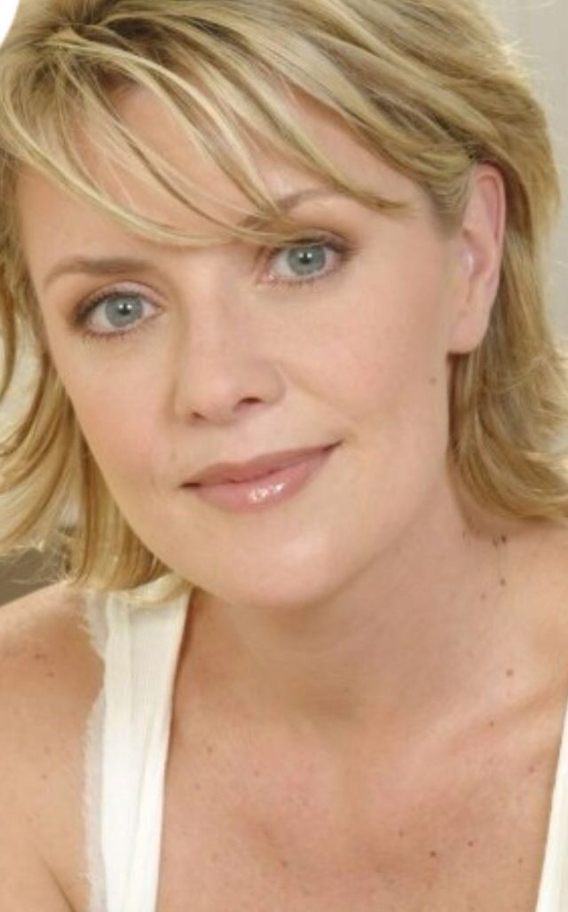 Amanda Tapping | Sexy Actresses/ Models | Pinterest | Amanda Tapping