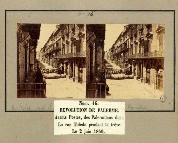 Spedizione dei Mille - Rivoluzione di Palermo - Via Toledo - Palermitani davanti alle poste durante la tregua