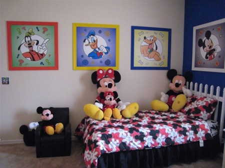 1000 ideas about mickey mouse bedroom on pinterest Mickey mouse bedroom decorating ideas