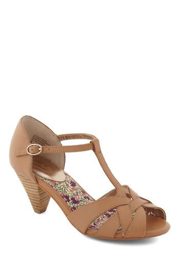 #ModCloth This would match some of my spring/summer dresses so well! Plus I could walk in them :-) lol
