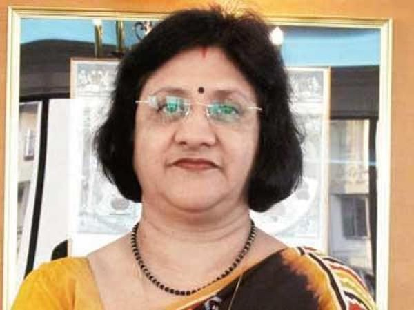 Don't worry, the rate cut will be transmitted by banks: Arundhati Bhattacharya, SBI - The Economic Times