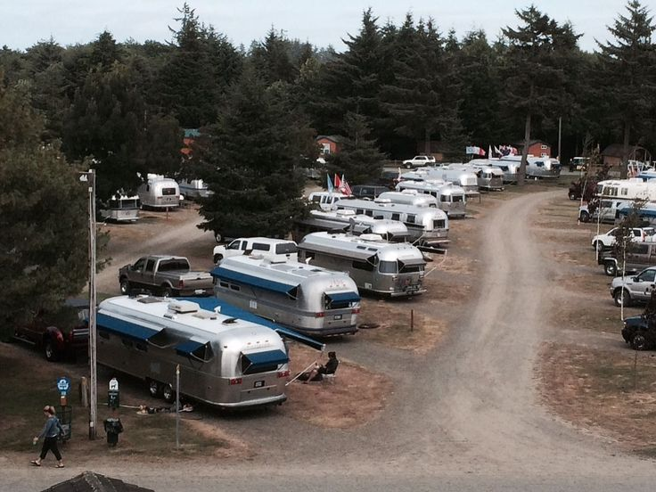 Airstreams gather after global treks | The Columbian