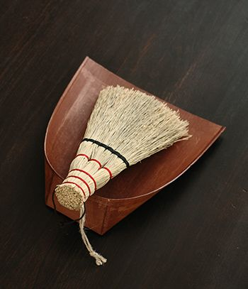 Japanese dust pan and broom