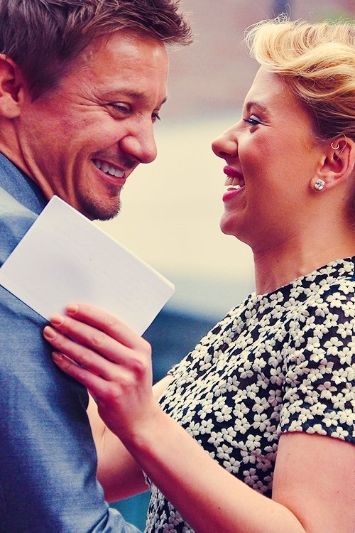 Would you two date already? Jeremy Renner and Scarlett Johansson