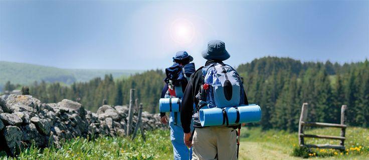 Comment éviter l'insolation et détecter les symptômes d'un coup de chaleur ? Découvrez ici tous nos conseils afin de vous protéger au mieux des méfaits du soleil lors de vos randonnées.