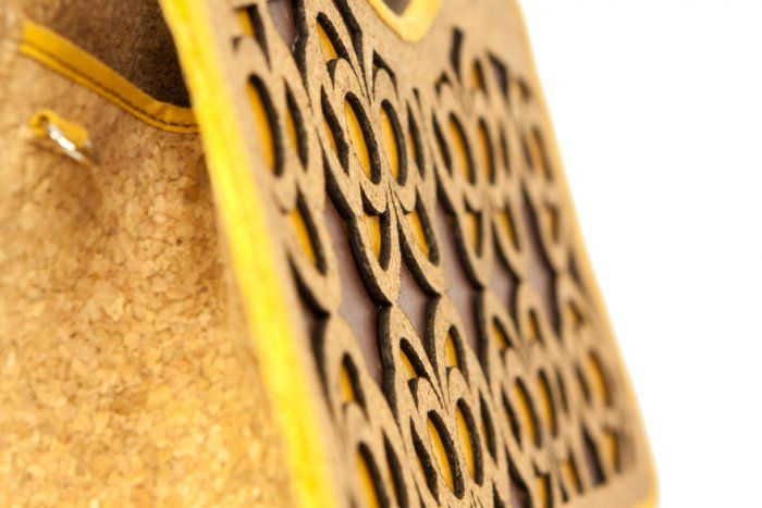 Texture detail of #Ecochic handbag Farfalle. The #bag is made with #recycled #cork and #paper, resistant and waterproof. #Handmade in Italy.