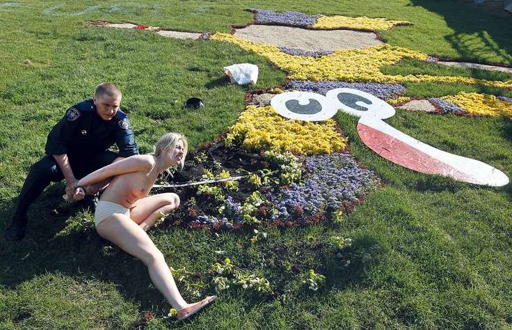 H άλλη όψη του Euro 2012 σε Πολωνία-Ουκρανία « Thinking in public