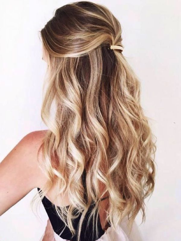 Half Up Half Down Wavy Wedding Hair Waves Weddinghair Down Hairstyles For Long Hair Hair Styles Down Hairstyles