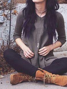 Casual outfits for teens . Comfy , cozy . Sweater . Boots . Tights