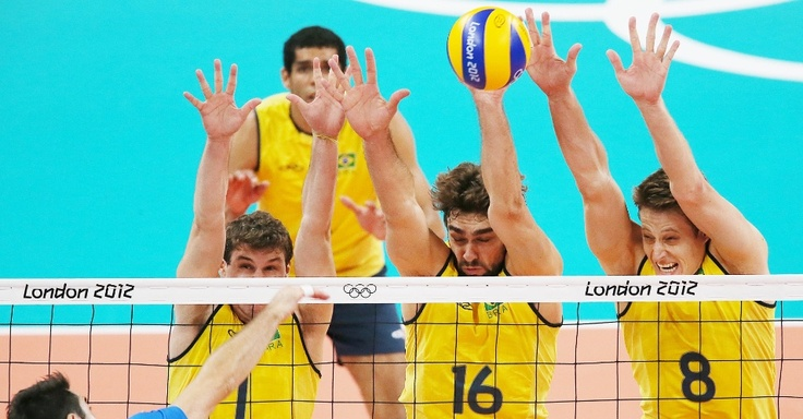 Brazilian Volleyball players- semi-final game against Italy [Vôlei masculino atropela a Itália e vai à final atrás do 3º título olímpico; Brasil bate recorde de medalhas] - (uol.com.br)