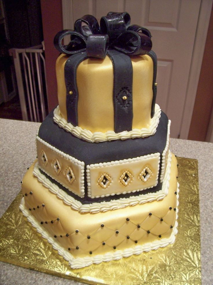 Birthday Cake Images Gold : Gold birthday cake, 50th birthday cakes and Gold birthday ...