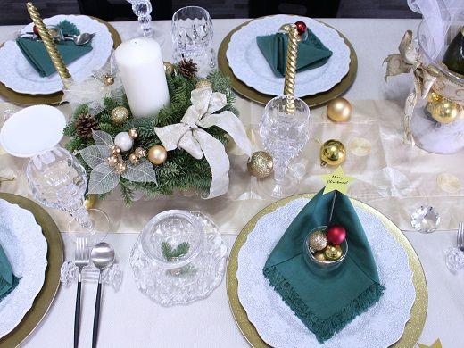 ■リースをキャンドルホルダーに #tablecordinate #christmas #papernapkin #homeparty #partyidea