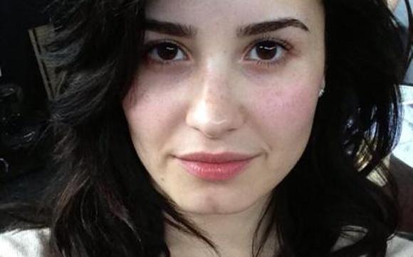 Demi Lovato faz campanha por uma beleza real!