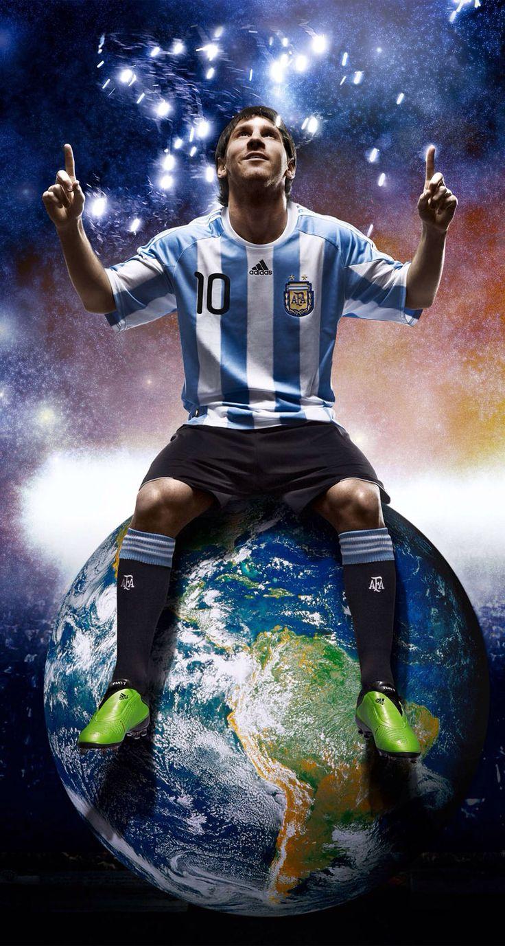 Messi arriba del mundo. Él es muy bueno. A todos le gusta Messi.