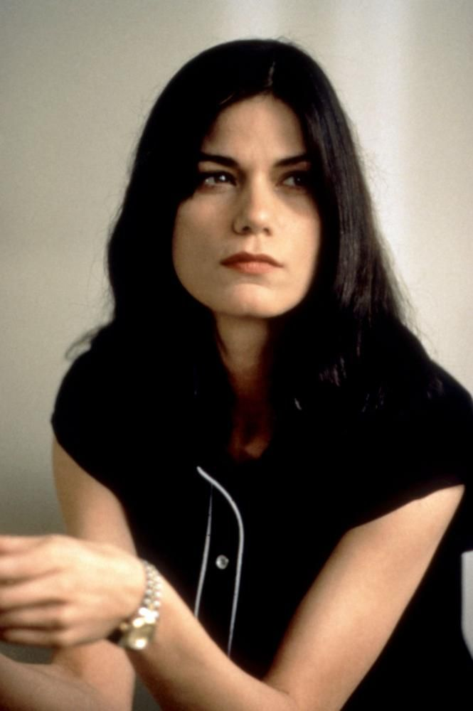 Linda Fiorentino (born March 9, 1960), is an American actress. Description from imgbuddy.com. I searched for this on bing.com/images