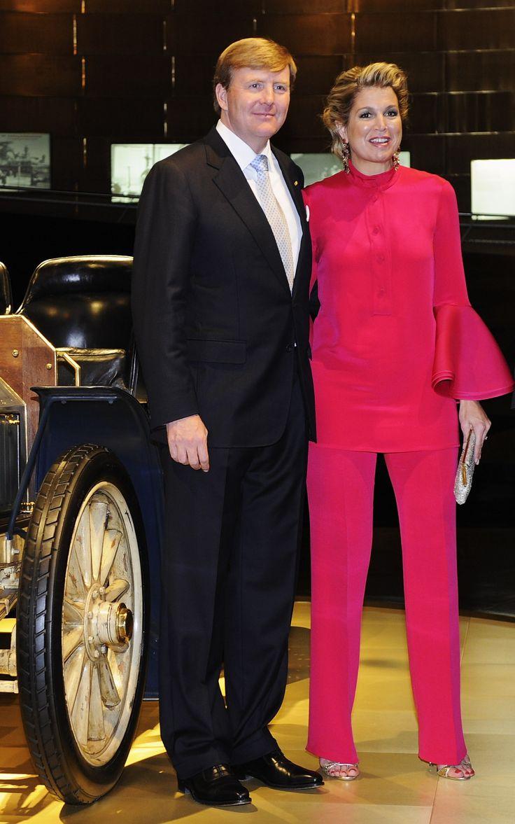 04 juni 2013, Stuttgart in een roze pak van Gucci.- Koning W-Alexander & Koningin Maxima (NL)