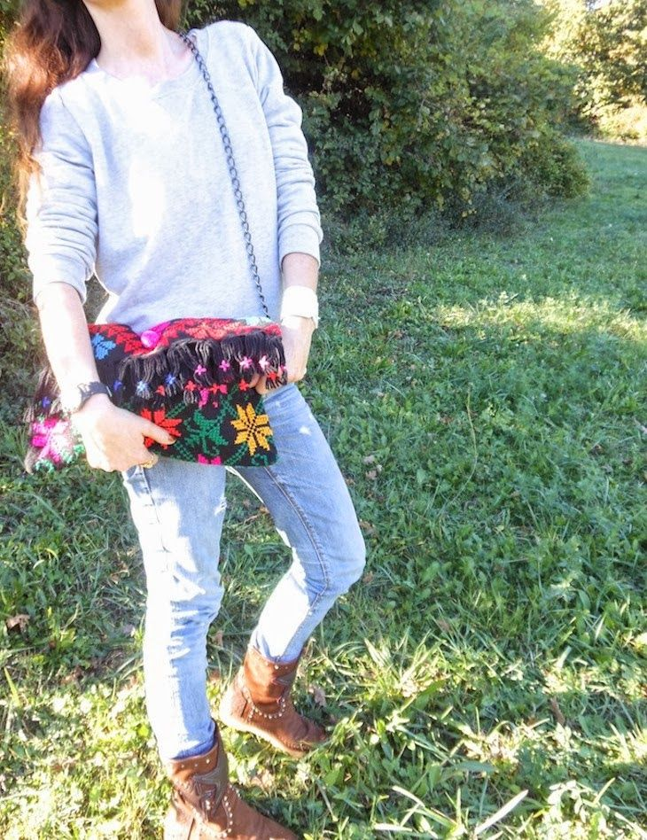 #shoes #boots #etnochic #fashionblog #fashion #girl #sporty #sweater #accessories #atzectrend LinkWithin 16  1  2 Google + 3  26   3 comments:  Beatrice Cadario said... Bellissimi i Karma! :)  VeryBerryBee Bee Photography Facebook...