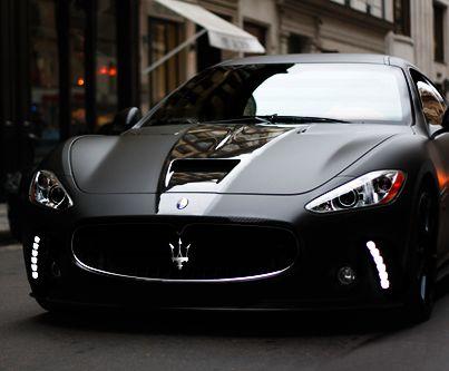 Maserati Gran Turismo S Superior Black Edition ($ TBA) R$503.668,00 Criado por mentes loucas em Anderson Germany, o superior caracteriza um tratamento exterior preto fosco de seda, rodas pretas lustrosas de 21 polegadas, substitutos novos da fibra do carbono para o hoot, os espelhos, a bagageira, e as bordas do telhado, 492 hp, uma pilha de fibra de carbono e preto Alcantara elementos no interior, e até mesmo um PS3