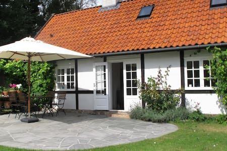 Schau Dir dieses großartige Inserat bei Airbnb an: North Sealand, Copenhagen, Denmark - Häuser zur Miete in Vejby