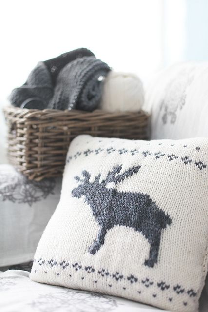 Pretty moose cushion.   I could never ever make one like this. But oh do I want one.