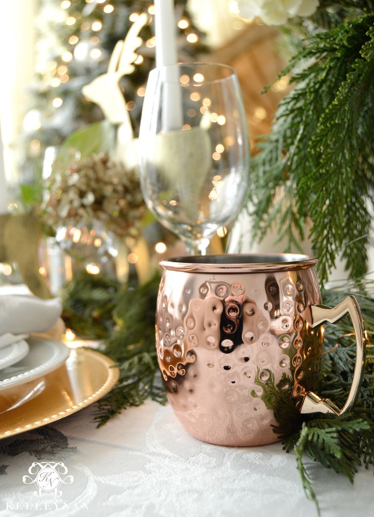 Creating a copper christmas table moscow mule cup mule for Table moscow