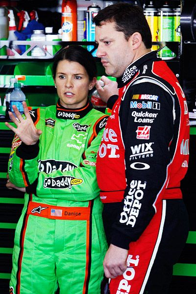 Tony Stewart Defends Danica Patrick and Reveals an Injury: NASCAR News http://sports.yahoo.com/news/tony-stewart-defends-danica-patrick-reveals-injury-nascar-053700563--nascar.html