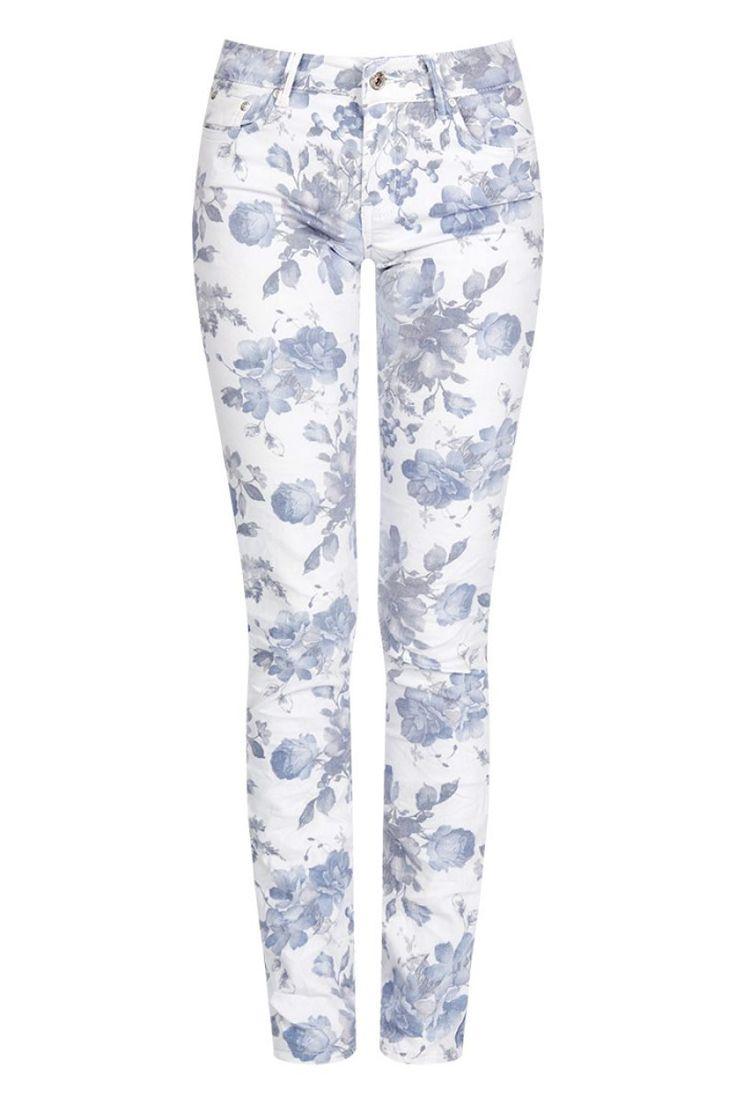 Βαμβακερό παντελόνι φλοράλ print.Ύφασμα με ελαστικότητα.Ύψος μοντέλου: 1,78m97% Cotton 3% Elastane