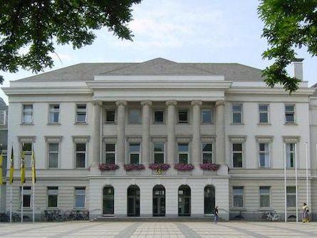 Ratsbeschluss: Stadt Krefeld klagt gegen Zensusfeststellung - http://k.ht/3Wq