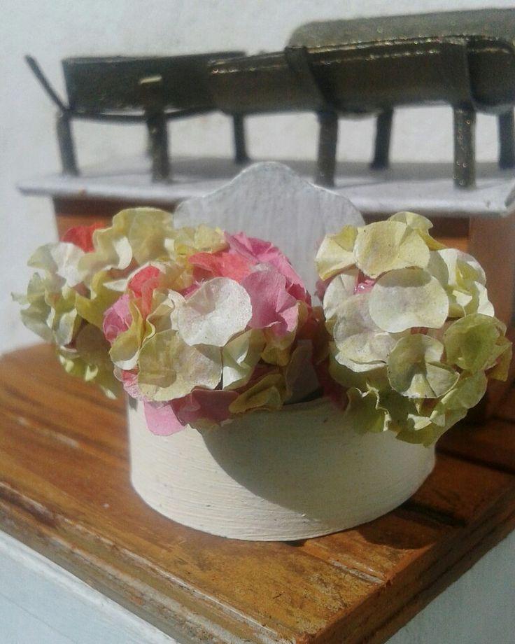 Miniature paper flower