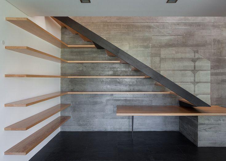 *패시브 하우스, 지소가능한 공간을 꿈꾼다 [ E348 Arquitectura ] Miramar House_Adjustable balcony animates the facade