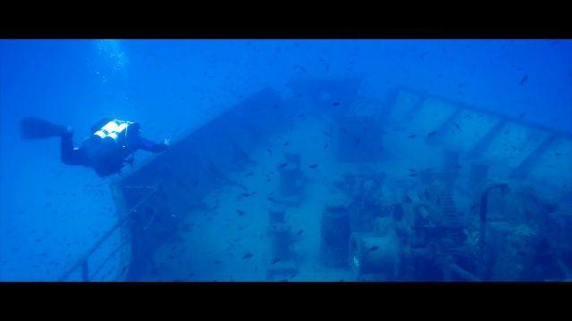 VIDÉO Full HD ✅ Plongée sur l'épave intacte d'un pétrolier à Malte ! Plus de vidéos de #plongée #sous-marine et d'apnée sur → www.Plongeurs.TV