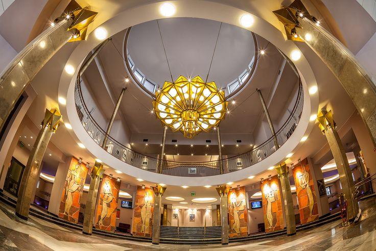 Teatr w obiektywie Pawła Augustyniaka.  Górne foyer.