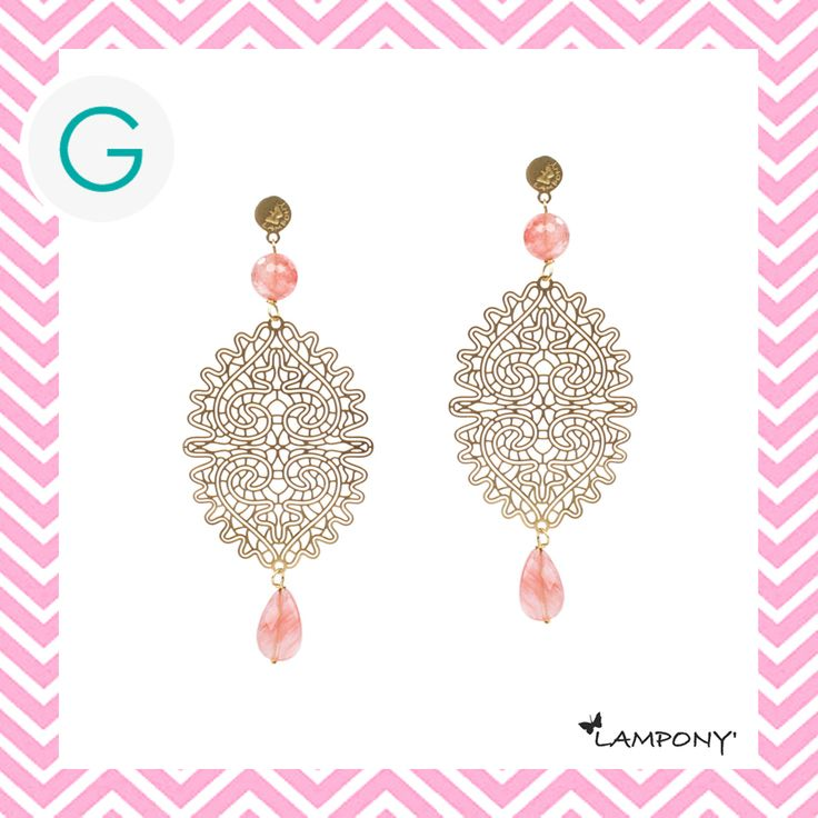 Orecchini pizzo colore oro con pietre dure color salmone. http://www.giadaandco.com/designer-collection/lampony/orecchino-pizzo-dorato-pietre-dure-salmone #Lampony' #earrings #laces #stone #Giada&Co.