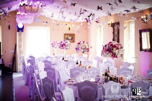 Butterfly Wedding,Pomanders,Purple butterfly,Centerpieces,Architectural light/Motylowe wesele,Fioletowe motyle,Dekoracje weselne,Oświetlenie architektoniczne,Anioły Przyjęć