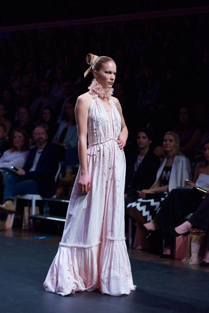#MSFW #melbourne #fashion #gala #boutique #luxury #rose #spring #summer #nevenka #lucasdawson #kevinmurphy #brettmorley #beauty #pink #fashionweek #designer #opening #gala #goddess #bohemian #luxe www.nevenka.com.au