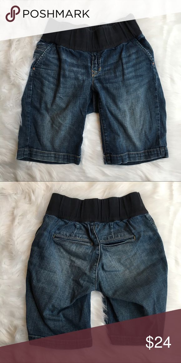 GAP Maternity Long Bermuda Jean Shorts- 26/2 Excellent condition dark wash long Jean Shorts. Size 26/2 Maternity. 98% Cotton, 2% Spandex. Machine wash/dry. Measures 14in across at waist, 15in length, 10in inseam, 8in leg opening, 5in front rise (all measurements do not include elastic maternity waistband), 3in waist band. GAP Shorts Jean Shorts