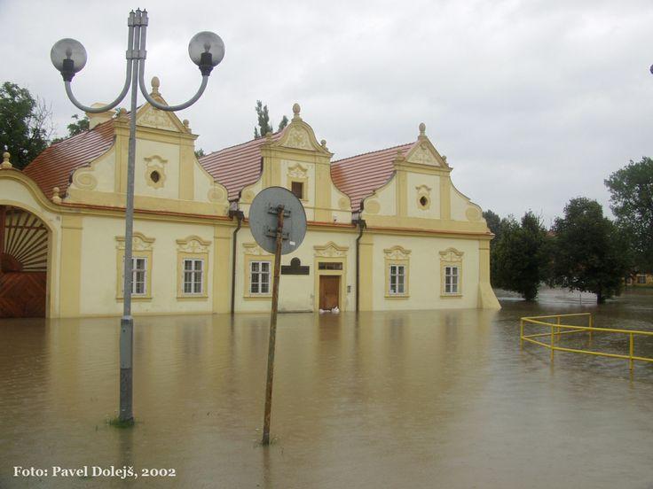 2002, Stod, povodeň, Komenského náměstí, foto Pavel Dolejš.