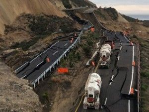 myhopeconnect - Part Of Mexico Highway Near US Sinks As Quake Strikes.12 29 2013