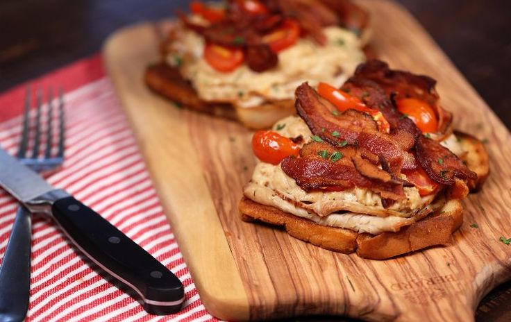 How to make turkey casserole with bacon and bechamel (video)