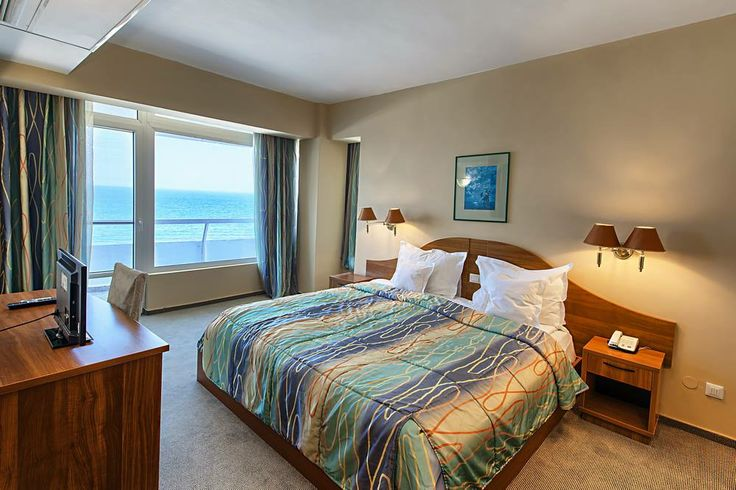 Surroundings and atmosphere @Savoy Hotel Mamaia - http://www.savoyhotel.ro/camere