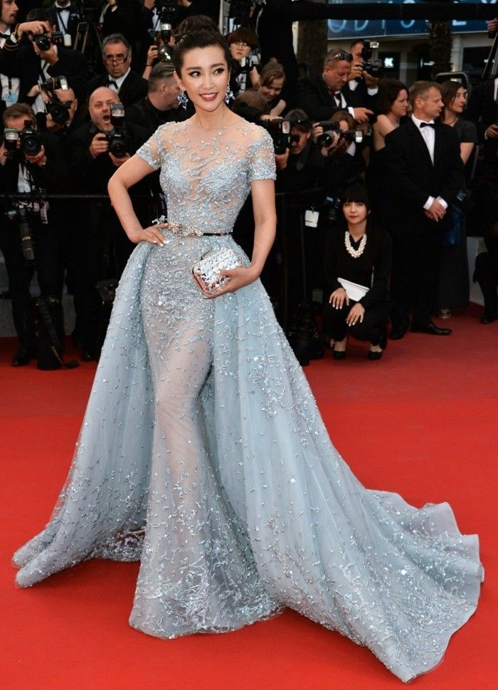 Fashion trends from Cannes 2017: dresses, hairstyles, make-up tips  #cannes #dre…